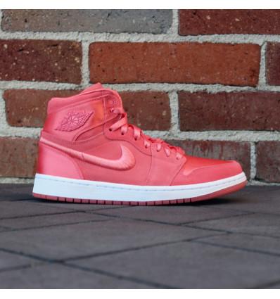 Купить Air Jordan 1 Retro High SOH WMNS  AO1847 640 — 4,916.00 ₽